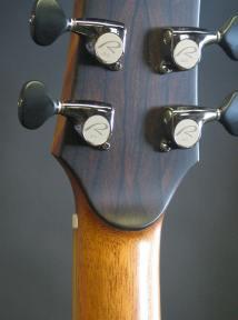 92-peghdback-Guitar-Luthier-LuthierDB-Image-19